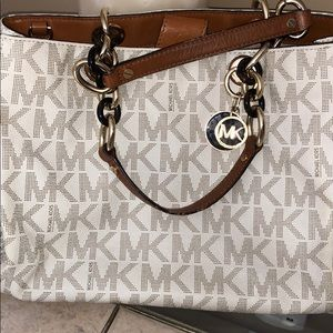 Michael Kors Signature Large Satchel